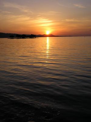 夕暮れの宍道湖(島根県 松江市)
